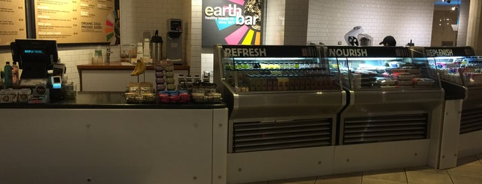 Earthbar is one of Lugares favoritos de Simon.