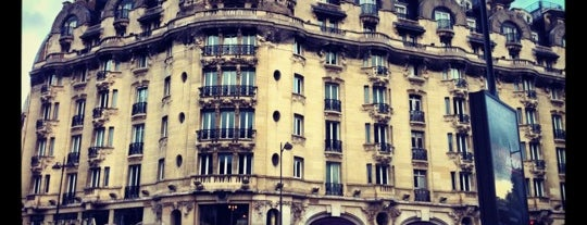 Hôtel Lutetia is one of Paris.
