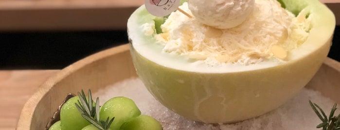 Naya Dessert Cafe is one of สถานที่ที่ Simon ถูกใจ.