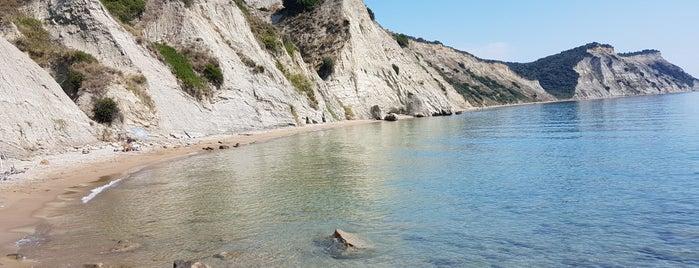 Arkoudilas Beach is one of Марина 님이 좋아한 장소.