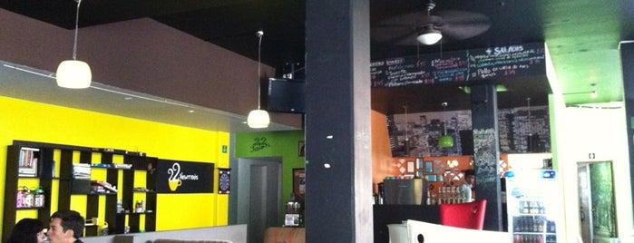 Veintidós Café is one of Tempat yang Disimpan Karen 🌻🐌🧡.