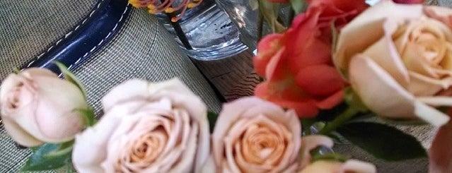 Fleur is one of Shoppeeeeeeeng.