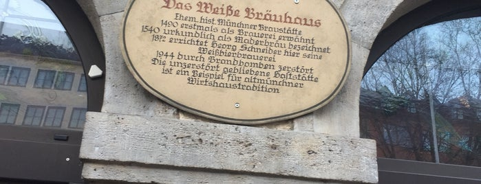 Schneider Bräuhaus is one of Lieux qui ont plu à Joao.