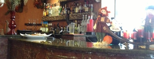 Mr Bruno's Pizzeria & Restaurant is one of สถานที่ที่ K ถูกใจ.