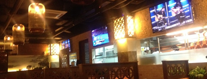 Dragon Flames Restaurant is one of สถานที่ที่ Christabelle ถูกใจ.