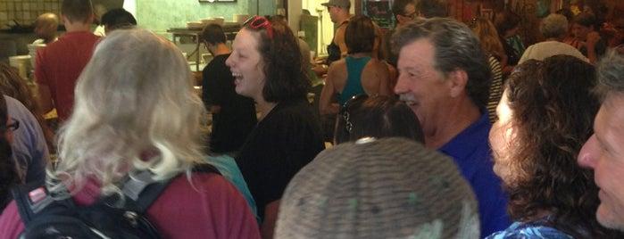 Katy's Grill & Bar is one of Lieux sauvegardés par Elena.