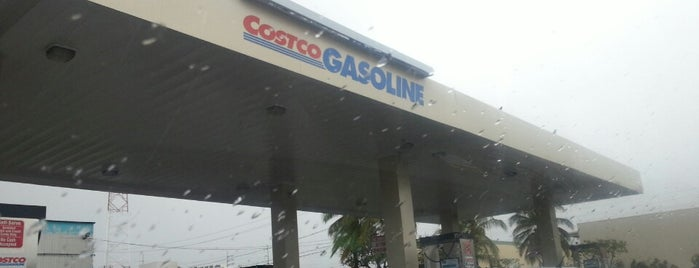 Costco Gasoline is one of Tempat yang Disukai k.K.