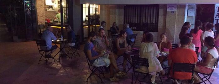 Strada Cafe is one of Locais curtidos por Demet.