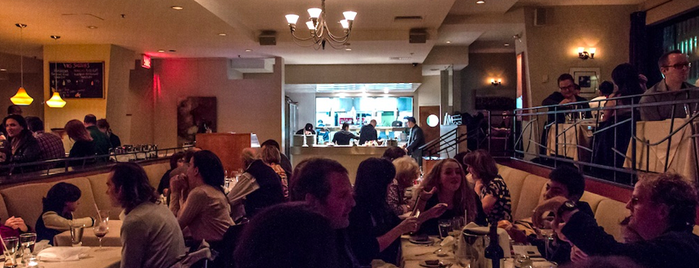 Taverne On The Square is one of Montreal Eater 38.