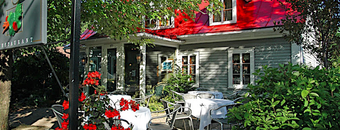 Le Mitoyen is one of Montreal Eater 38.