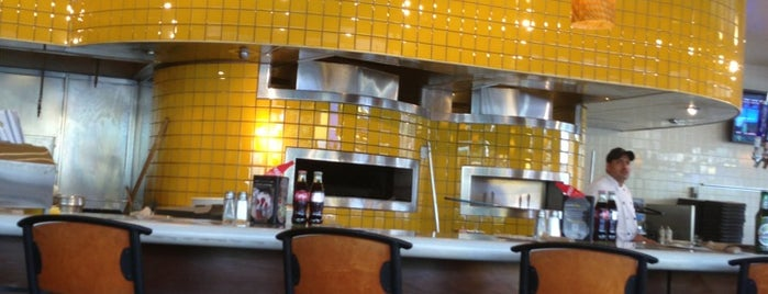 California Pizza Kitchen is one of Matt'ın Beğendiği Mekanlar.