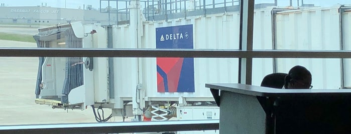 Delta Airlines is one of Lieux sauvegardés par JRA.