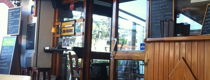 Bar El Tiburón is one of Carlos'un Beğendiği Mekanlar.
