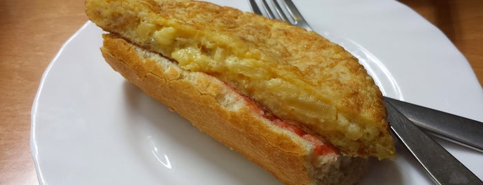 Platina Café & Restaurante is one of LAS MEJORES TORTILLAS.