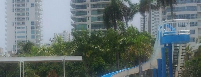 Club Naval is one of สถานที่ที่ Ricardo ถูกใจ.