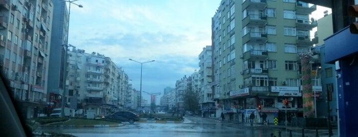 Yapı Kredi Bankası is one of Tempat yang Disimpan Yasemin Arzu.