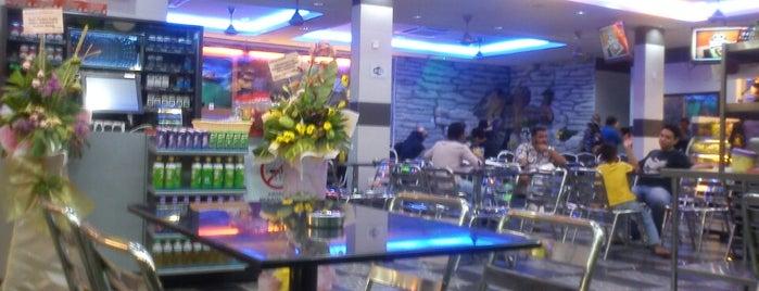Restoran Al-Hameeds is one of Lugares favoritos de Rapiszal.
