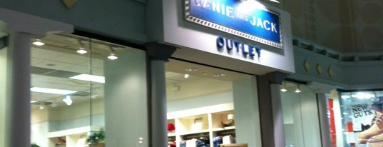 Janie and Jack Outlet is one of Posti che sono piaciuti a Pato.