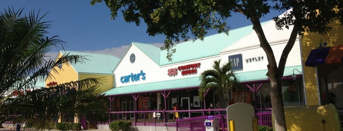 Outlet Mall in Sanibel/Ft. Myers is one of SHOPPING.