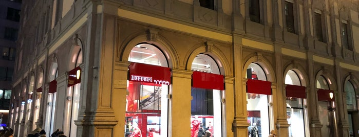 Ferrari Store is one of Lugares favoritos de Andrey.