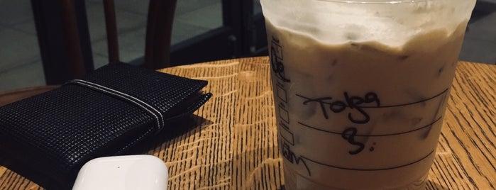 Starbucks is one of สถานที่ที่ k&k ถูกใจ.