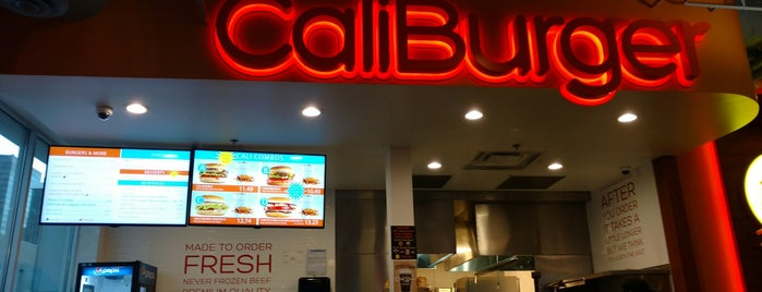 Caliburger is one of Favourite restaurants.
