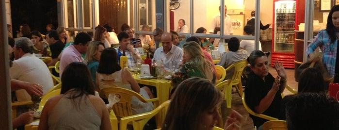 Al Beirut is one of Locais salvos de Sabrina.