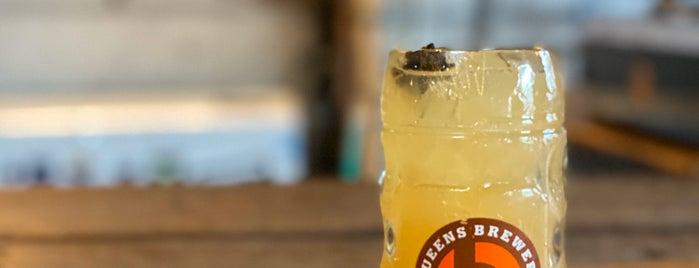 Queens Brewery is one of Karen'in Beğendiği Mekanlar.