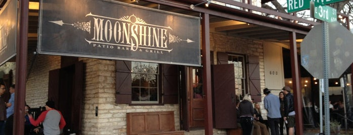 Moonshine Patio Bar & Grill is one of Posti che sono piaciuti a Kristy.