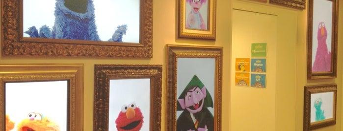Sesame Workshop is one of Lugares guardados de Scott.