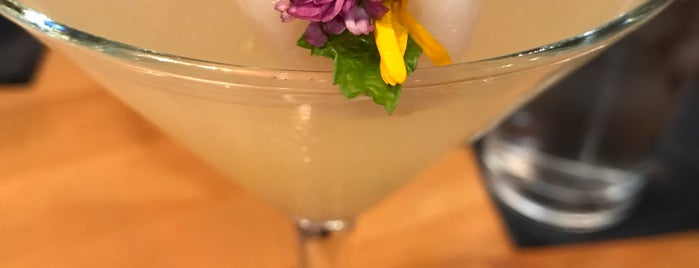 EMC Seafood & Raw Bar is one of L.A. Happy Hours.