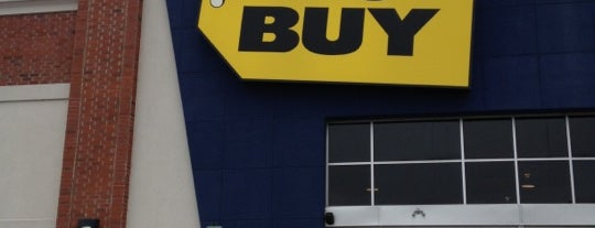 Best Buy is one of Orte, die Pablo gefallen.