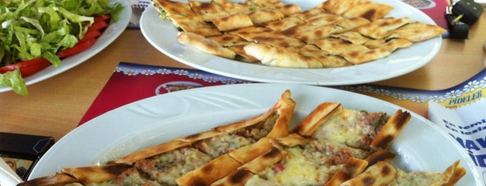 Mavi Pide is one of Yemek.