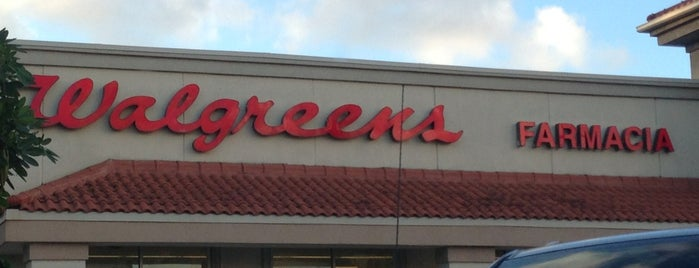 Walgreens is one of Locais curtidos por Cristina.