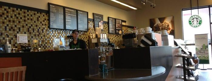 Starbucks is one of Lugares favoritos de Amy.