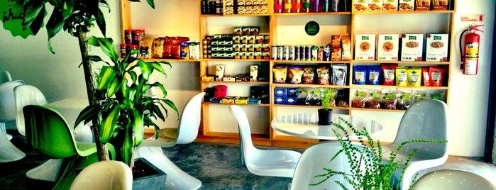 Bio's Organic Bar is one of Massiel : понравившиеся места.
