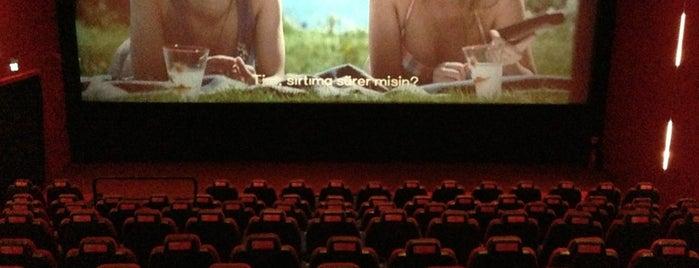 Cinemaximum is one of Lieux qui ont plu à EMRAH.