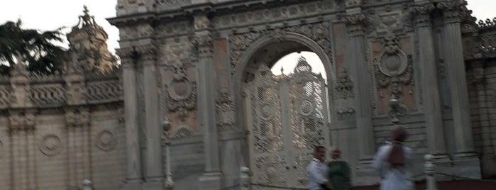 Dolmabahçe Sarayı Bahçesi is one of Tempat yang Disukai Fadlul.