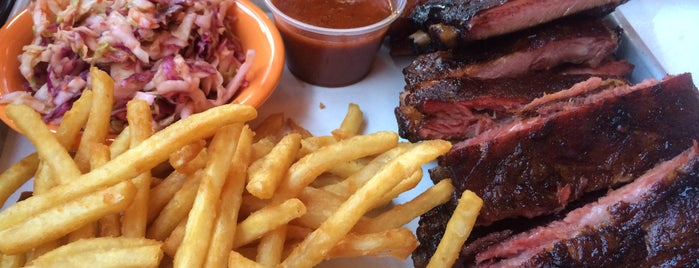Black Dog Smoke & Ale House is one of Food Worth Stopping For.