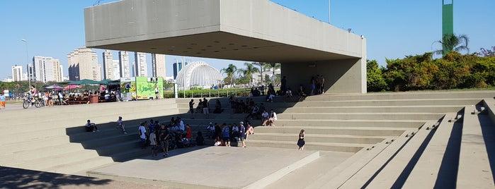 Anfiteatro do Parque Villa-Lobos is one of Tempat yang Disukai Fernando.