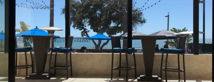 Aqua Beachfront Bar is one of California.