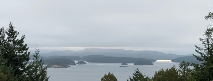 san juan island is one of สถานที่ที่ Lori ถูกใจ.
