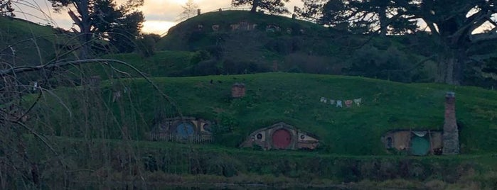 Hobbiton Movie Set & Farm Tours is one of Stephane 님이 저장한 장소.