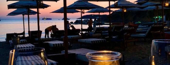 40Forty - DayNight BarRestaurant is one of Orte, die քℴuքée® gefallen.