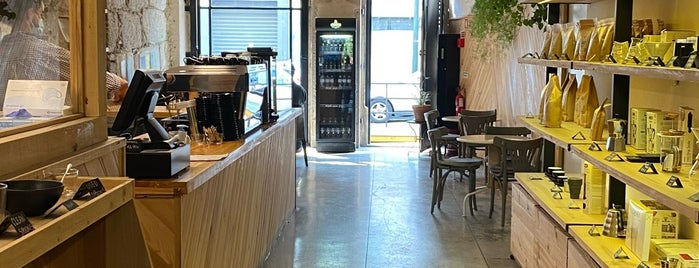 Fabrica Coffee Roasters is one of Porto Things To Do.