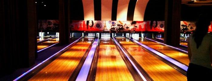 BO Bowling is one of สถานที่ที่ Boyana ถูกใจ.