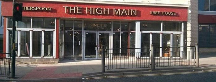 The High Main (Wetherspoon) is one of Carlさんのお気に入りスポット.