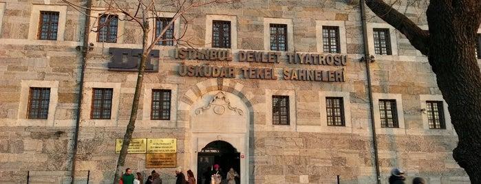 Devlet Tiyatroları Üsküdar Tekel Sahnesi is one of Lugares favoritos de Aslı.