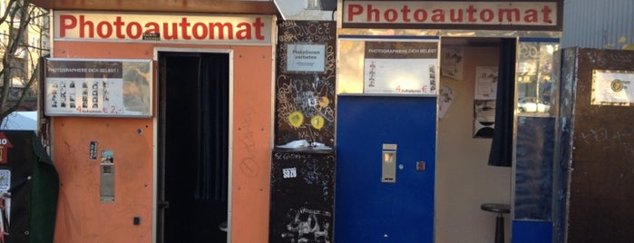 Photoautomat | Photo Booth is one of to do list in Berlin.