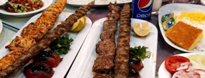 Shandiz Safdari Restaurant | رستوران شاندیز صفدری is one of Haroldさんのお気に入りスポット.